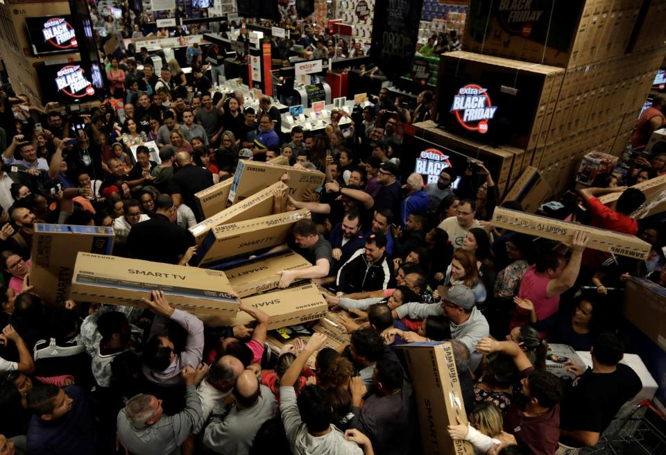 The Deadliest Black-Friday in U.S. History Kills 412 Shoppers, Youngest Victim 4 Years Old